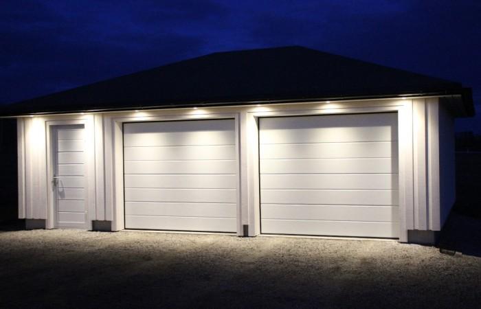 250-x210-og-dor-med-liggende-panel