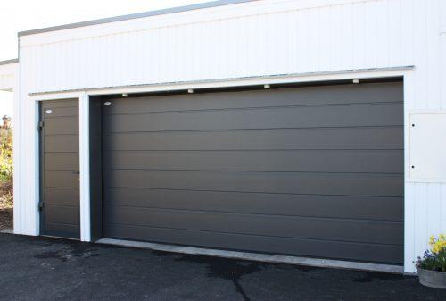 Krafer Premium Garasjeport med grå satin overflate
